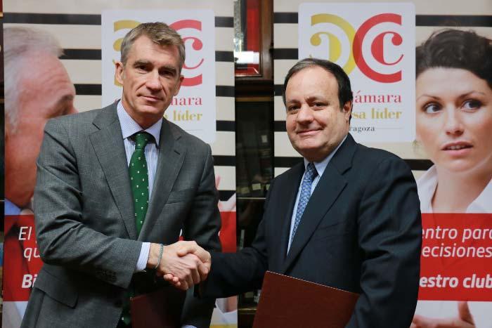 Firma Acuerdo Wolters Kluwer y Cámara Comercio Zaragoza700-1